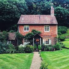 english cottage style homes best 25 english cottage exterior ideas on pinterest country