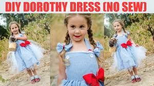 dorothy wizard of oz halloween costumes diy no sew dorothy dress wizard of oz youtube