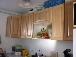 repeindre meuble de cuisine en bois peinture pour meuble de cuisine en bois quelle peinture pour