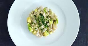 cuisiner des maquereaux frais tartare maquereau avocat recette par la cerise sur lemaillot
