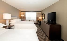 Gest Room by Guest Room Sheraton Bucks County Hotel