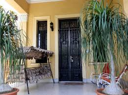 colonial house 1923 four rooms houses for rent in vedado la