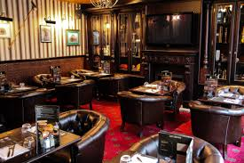 restaurant le bureau en plein travaux au bureau le nouveau pub brasserie le périscope
