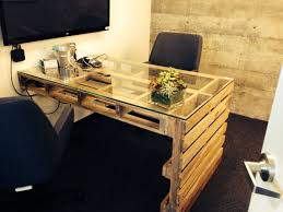Diy Work Desk Stunning Diy Work Desk From Pallet Wood With Glass Top And Simple