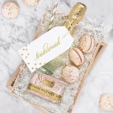 bridesmaid favors best 25 bridesmaid gifts unique ideas on bridesmaid