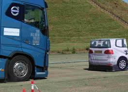 volvo eu autonomous braking u2013 vehicle safety technology that can save lives