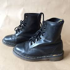 dr martens womens boots canada boots outlet genuine dr martens boots black leather uk size 4