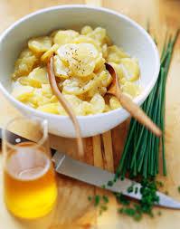bayerische küche rezepte original bayerischer kartoffelsalat rezept daskochrezept de
