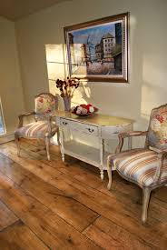 Knotty Pine Laminate Flooring Flooring Knotty Pine Wood Flooring White Walls And Beige