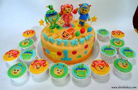 team umizoomi cake sherbakes team umizoomi cake and cupcakes