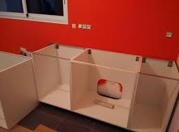 vide sanitaire cuisine comment fixer meuble haut cuisine ikea evtod