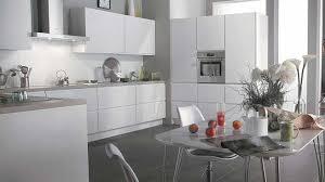 cuisine blanc et grise cuisine blanche et grise plaisant cuisine blanc et grise idées