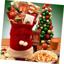 christmas gift baskets ideas give sweets and christmas cards
