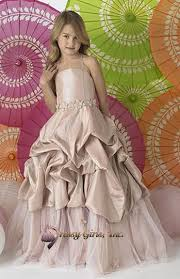 جيبالكم صور فساتين اطفال تجنن images?q=tbn:ANd9GcS