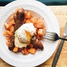 cuisiner mais p déj de courge musquée saucisses d agneau et oeuf poché les