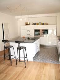 cuisine carrelage parquet parquet chêne clair carreau couleur matiere maison cuisine