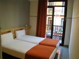 chambres d hotes barcelone hostal la terrassa chambres d hôtes barcelone