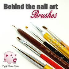 piggieluv behind the nail art brushes