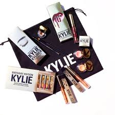 you won u0027t believe how much kylie jenner u0027s surprise birthday makeup