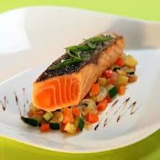 cuisiner pave de saumon recette pavé de saumon de norvège cuit à l unilatéral cocotte de