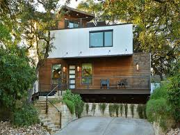 luxurious austin treehouse style bungalow offers bird u0027s eye views