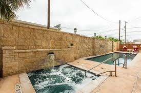San Antonio Comfort Inn Suites Hotel Comfort Alamo Riverwalk San Antonio Tx Booking Com