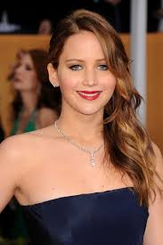 Jennifer Lawrence Home by The Hairstyle That U0027s Winning Awards Season Side Swept Waves The