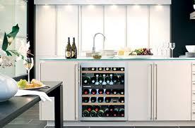 cuisine avec cave a vin cave a vin cuisine beau bien installer sa cave vin darty vous de