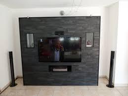 steinwand wohnzimmer tv haus renovierung mit modernem innenarchitektur kleines