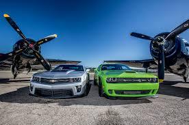chevy camaro vs dodge charger 2014 chevrolet camaro zl1 vs 2015 dodge challenger srt hellcat