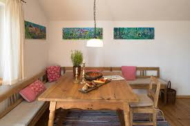 Wohnzimmer Und Schlafzimmer In Einem Ferienwohnung Bergfex Chiemseeurlaub Alte Gendarmerie übersee