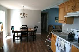 kitchen cabinets with hardwood floors what color granite white
