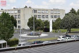 chambre des metiers de niort niort un cus des métiers à 17 millions d euros courrier de l ouest