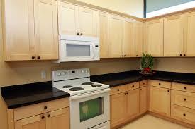 light maple shaker cabinets shaker maple renton cabinet and graniterenton cabinet and granite