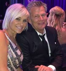 yolanda foster does she have fine or thick hair what we re buying yolanda foster s high end bronzer yolanda