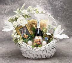 baskets for gifts wedding gift baskets wedding gifts anniversary gift baskets