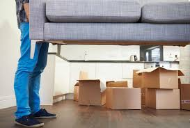 7 reasons you should always hire a professional moving company