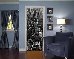 adesivi porta decorare una porta con la carta da parati foto 4 40 design mag