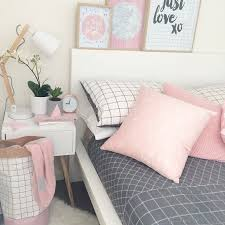 Gray And Pink Bedroom by Best 25 Gold Grey Bedroom Ideas On Pinterest Gold Bedroom Decor