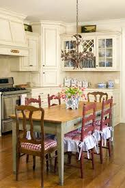 cottage kitchen furniture to achieve a country style