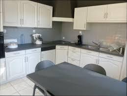 repeindre sa cuisine en gris repeindre une cuisine en bois peinture sico tutoriel maison