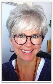 i love the look grey hair great cut great glasses elle