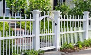 Cheap Backyard Fence Ideas by Simple And Easy Backyard Privacy Ideas Midcityeast