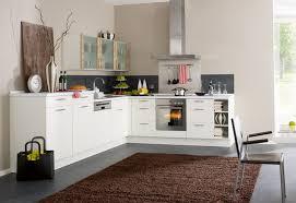 weiße küche wandfarbe küchengestaltung mit farbe bunte ideen für die küche
