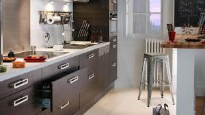 cuisine etroite cuisine aménagée en longueur galerie et chambre enfant cuisine
