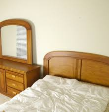 Queen Sized Bedroom Set Queen Size Bedroom Set By Florida Furniture Ebth