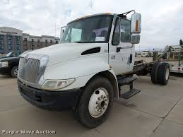 2002 international 4300 truck cab and chassis item db0150