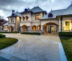 large luxury homes i like the gate going to the inside of the house luxury homes