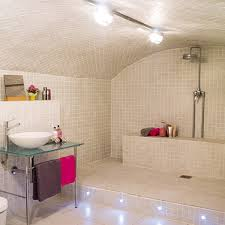 Open Shower Bathroom Design With Arched Ceiling - Open shower bathroom design