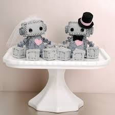 nerdy cake toppers 12 fabulously nerdy cake toppers intimate weddings small